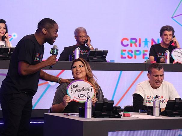 Atores marcam presença ao vivo no Mesão (Foto: TV Globo/ Paulo Belote)
