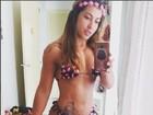 Priscila Pires posa de biquíni e ostenta barriga sequinha: 'Perdi 35 quilos'