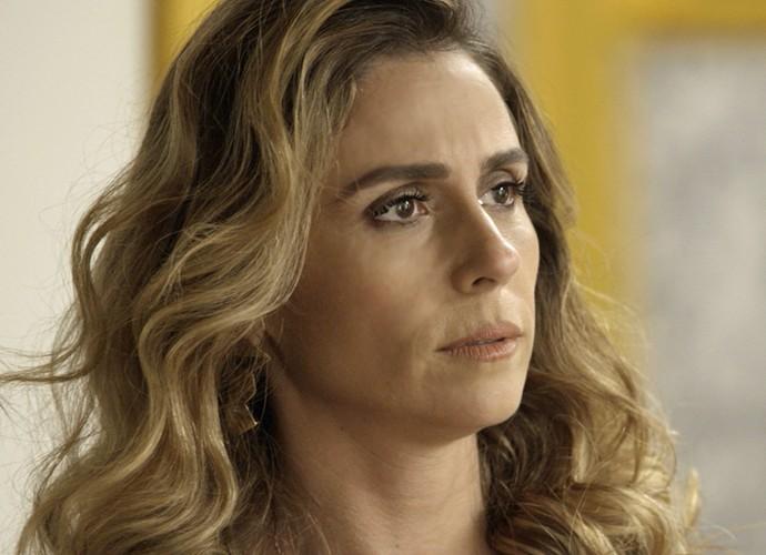 Atena surpreende Romero  (Foto: TV Globo)