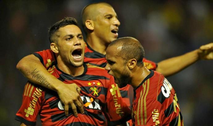 Felipe Azevedo Sport x Coritiba Série A (Foto: Aldo Carneiro / Pernambuco Press)