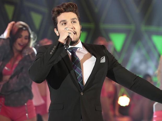 Luan canta seus sucessos no palco do Domingão (Foto: Felipe Monteiro/Gshow)