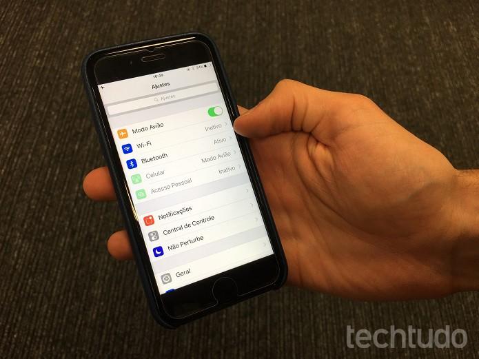 """Pressione o ícone """"Ajustes"""", na tela inicial, e vá em """"Bluetooth"""" (Foto: Victor Teixeira/TechTudo)"""