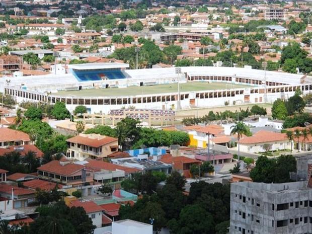 Estádio Nogueião, em Mossoró, pode ser interditado em definitivo (Foto: Wilson Moreno/Gazeta do Oeste)