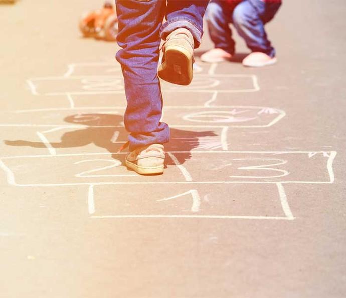 Brincadeiras ao ar livre estão perdendo espaço na rotina das crianças  (Foto: Divulgação)