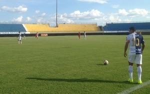 Ricanato vence o Colinas e se isola na liderança do grupo A (Foto: Marcos Martins/GloboEsporte.com)