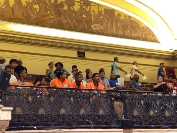 Garis acompanharam audiência na câmara (Foto: Kathia Mello/G1)