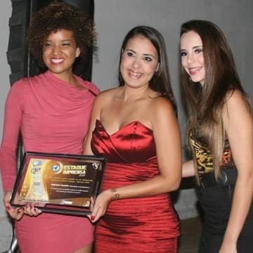 a Editora de Conteúdo Web da TV Grande Rio é graduada em Jornalismo e pós-graduanda em Assessoria de Comunicação e Novas Tecnologias (Foto: Arquivo Pessoal/ Gabriela Canário)