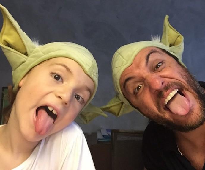 Rodrigo Lombardi com o filho Rafael durante um momento de descontração (Foto: Arquivo pessoal)