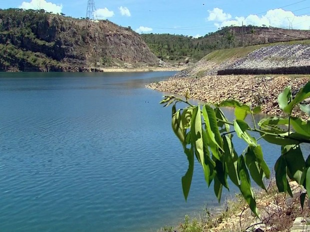 Nível do Lago de Furnas está dez metros acima do resgistrado no Carnaval de 2015 (Foto: Reprodução EPTV)