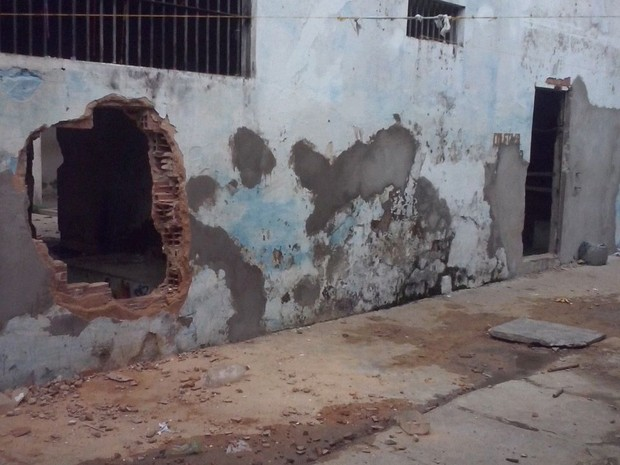 Túneis e buracos são encontrados nos presídios do Piauí  (Foto: Divulgação/Sinpoljuspi)