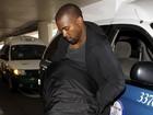 Kanye acusa Kardashians de passar informações para fotógrafos, diz site