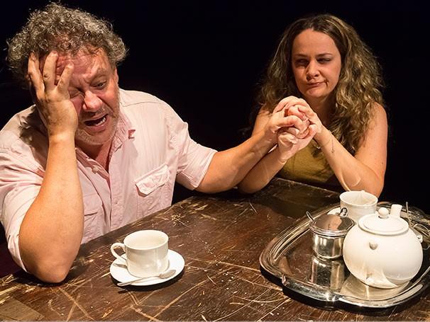 O excesso de controle, decorrente do medo da traição, desgastou o relacionamento (Foto: Guto Muniz)