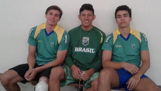Romário Macêdo com colegas de Seleção Brasileira (Foto: Reprodução/Facebook)