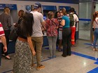 Saque do FGTS movimenta agência bancária no Centro de Porto Alegre