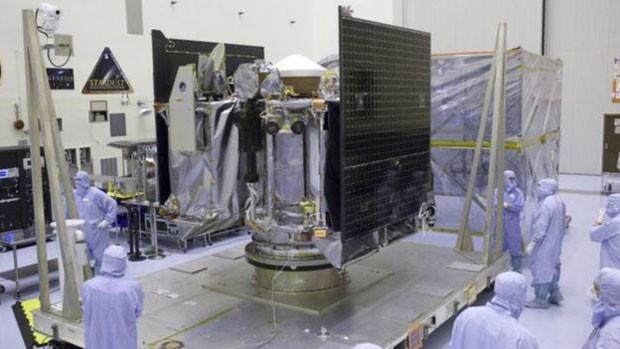 Cientistas da Nasa desenvolvem sonda que será enviada para asteroide (Foto: BBC/Nasa)