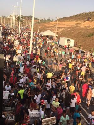 13ª edição contou com a presença de milhares de pessoas na Av. Litorânea (Foto: Jéssica Melo / TV Mirante)