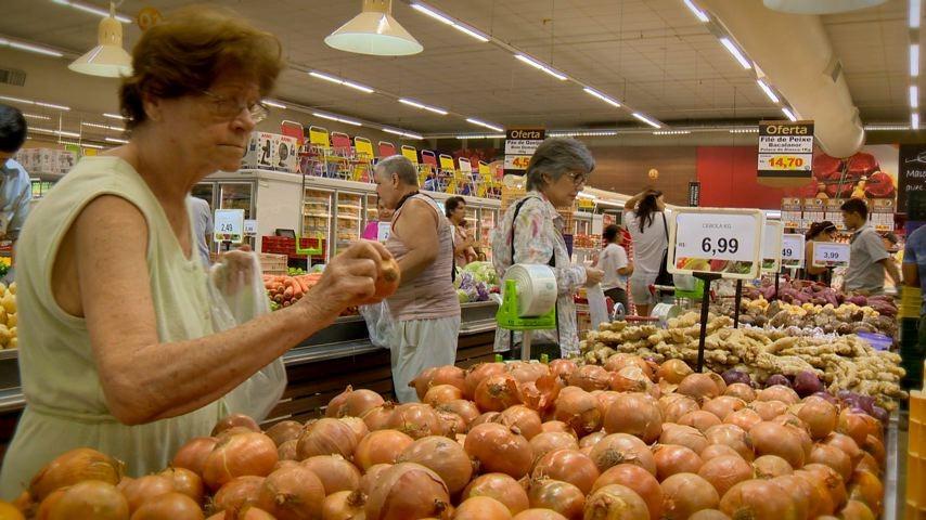 ESTV 1ª Edição fala de hábitos de consumo (Foto: Divulgação/ TV Gazeta)