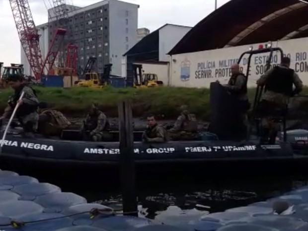 Polícia faz operação para prender Fat Family (Foto: Divulgação)
