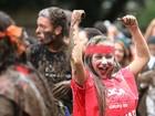 Calouros da UFPR comemoram aprovação no vestibular; FOTOS
