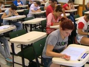 Quase 40 mil candidatos prestam vestibular da UFRGS no domingo (Foto: Reprodução/RBS TV)