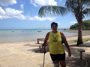 Aneide Nascimento, moradora da região da praia de Tubarão (Foto: Henrique Mendes / G1)