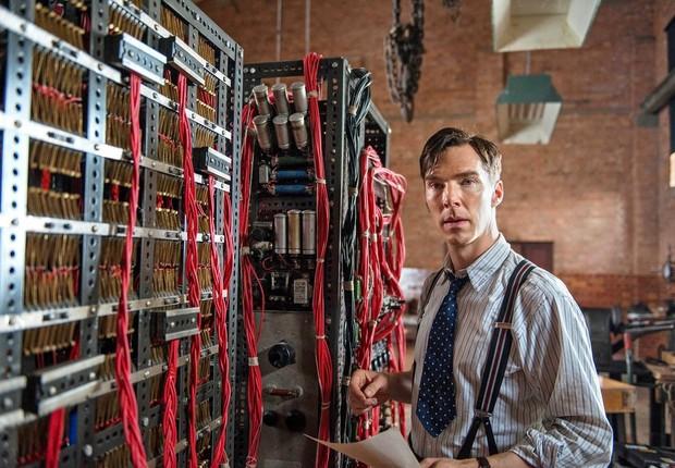 Benedict Cumberbatch interpreta Alan Turing em O Jogo da Imitação (Foto: Divulgação)