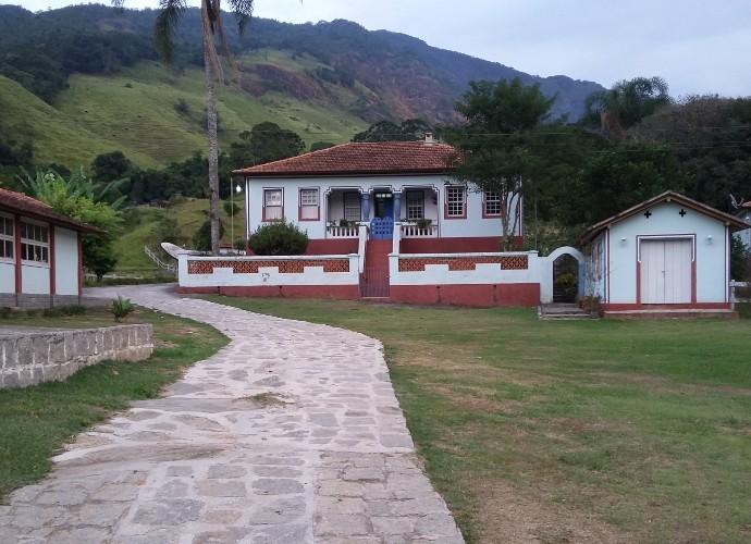 Fazenda histórica também fica no caminho para a Pedra Selada (Foto: Rio Sul Revista)