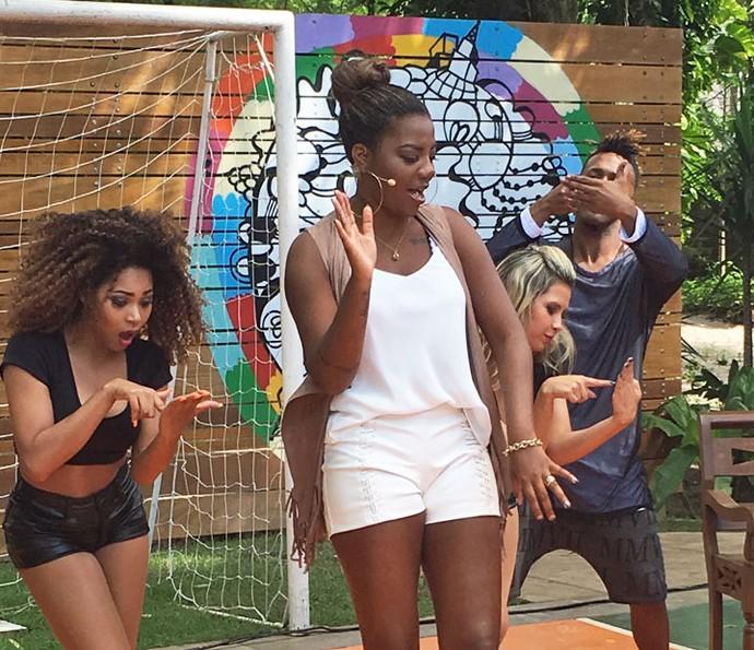 Ludmilla dança ao lado de seus bailarinos no 'É de Casa' (Foto: Thaís Dias/ Gshow)