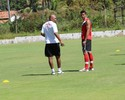 Joinville treina, ruma a Natal e Maria espera por B. Costa para definir lateral