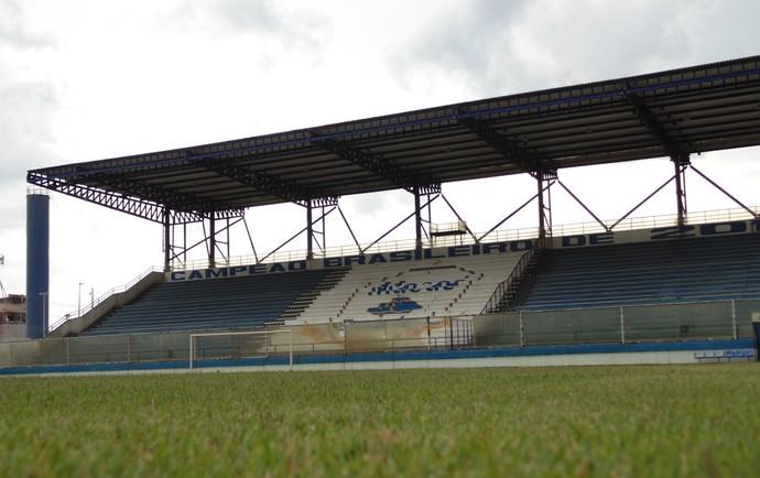 Estádio Moacyrzão em Macaé (Foto: Gustavo Garcia/GloboEsporte.com)