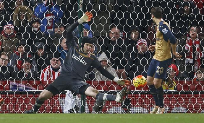 Petr Cech, Stoke x Arsenal (Foto: Reuters / Lee Smith )