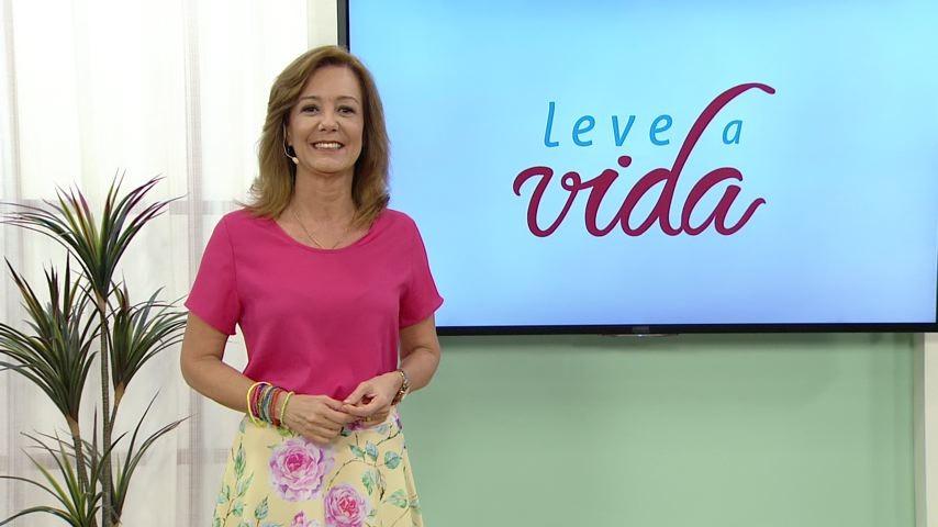 Sandra Freitas comanda o programa (Foto: Divulgação/ TV Gazeta)