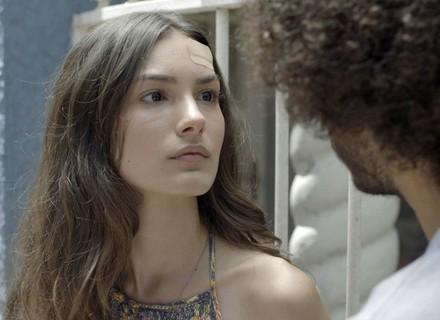 Luciana se irrita com Pedro e sugere que eles terminem