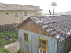 Neva na Serra de SC nesta quarta-feira (Foto: Dionata Costa - São Joaquim Online)