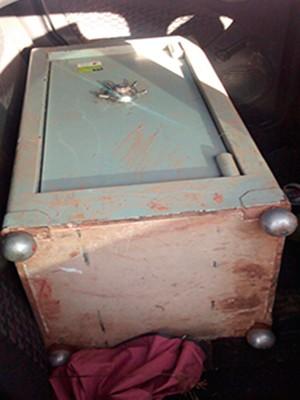 Cofre roubado em motel de Mogi das Cruzes 01 (Foto: Maiara Barbosa/ G1)