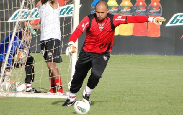 Márcio, goleiro do Atlético-GO (Foto: Sílvio Túlio / Atlético-GO)