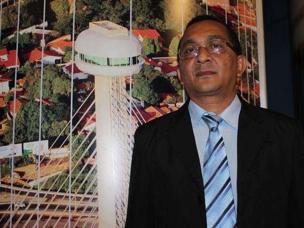 Promotor lembra que sonho de se formar em Direito foi adiado por falta de apoio da família (Foto: Gilcilene Araújo/G1)