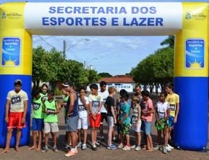 Atletas da categoria juvenil prontos para a largada, em Colinas do Tocantins (Foto: Divulgação/Alfredo Zamora)