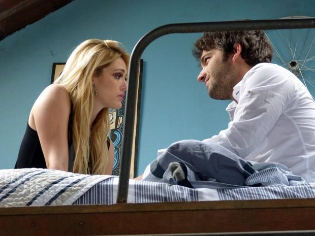 Megan tenta algo com Davi e ele recua (Foto: Geração Brasil / TV Globo)
