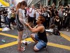 Pedido de casamento em meio a protestos em Hong Kong vira viral