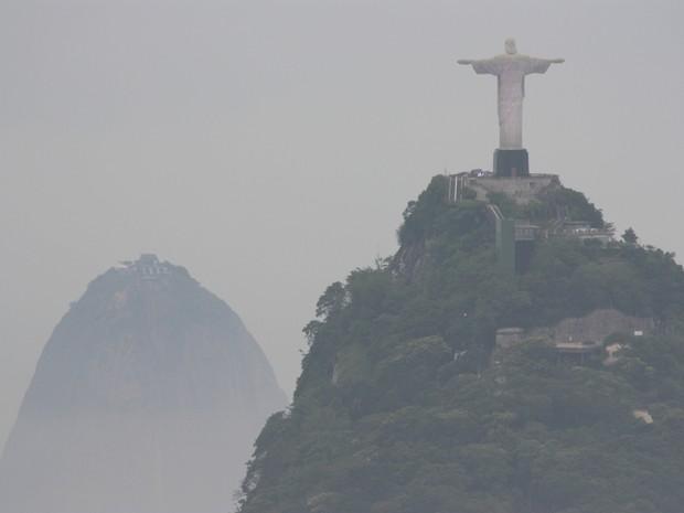 Rio amanhece nublado (Foto: Marcos Estrella/ TV Globo)