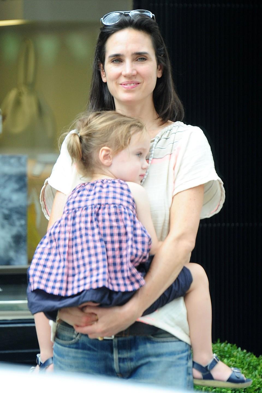 Jennifer Connelly e Agnes (Foto: Divulgação)