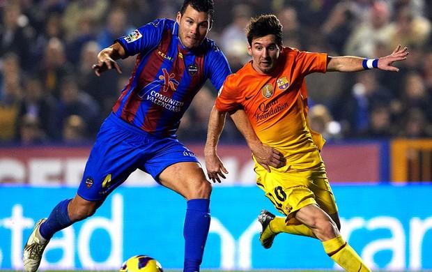 David navarro levante lionel Messi barcelona (Foto: Agência Getty Images)