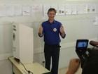 Pedro Uczai vota em colégio de Chapecó