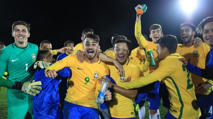 Seleção brasileira sub-20 comemora título do Quadrangular de Seleções no Chile (Foto: Lucas Figueiredo/CBF)