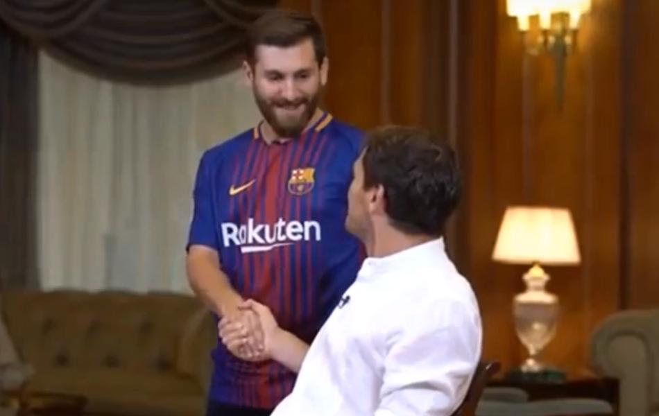 BLOG: Casillas é surpreendido por sósia de Messi durante entrevista