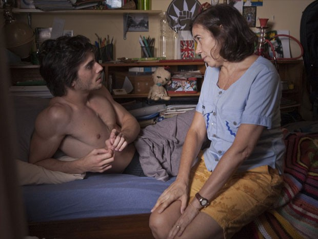Fiuk e Lilia Cabral em cena de 'Julio sumiu' (Foto: Divulgação)