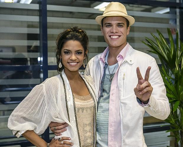 Lucy Alves e Marcos Lessa comemoram aprovação no último dia do Tira-Teima (Foto: Isabella Pinheiro/TV Globo)