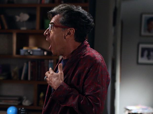 Blogueiro fica animado com fofoca (Foto: Pedro Curi/ Gshow)