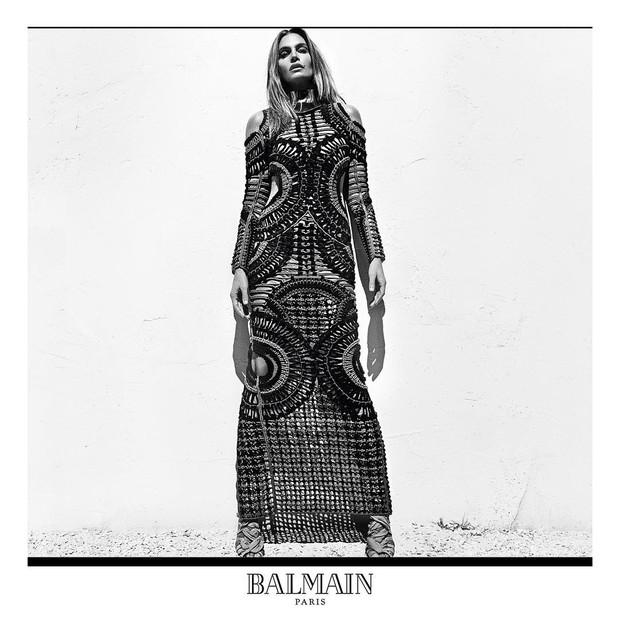 Cindy Crawford na campanha de primavera-verão 2016 da Balmain Paris (Foto: Reprodução / Instagram)